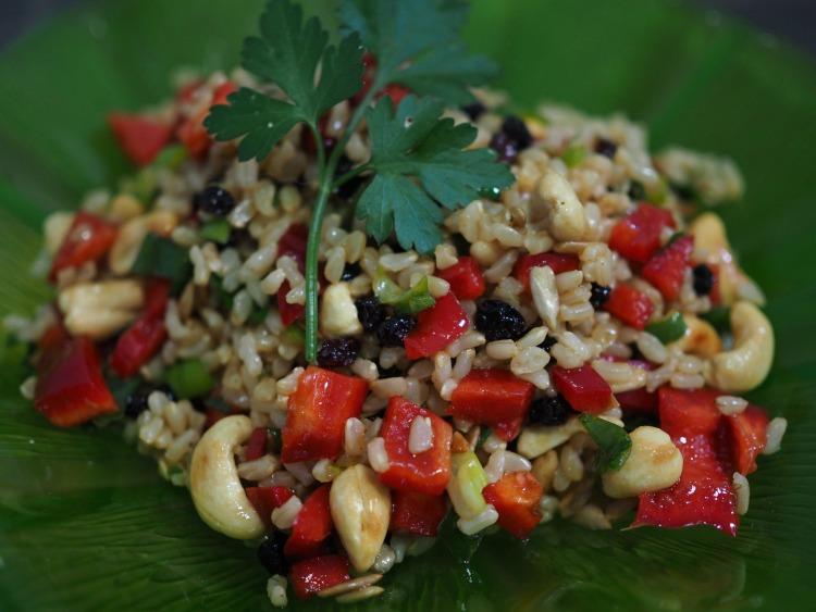 brown, rice, salad recipe, cashew, seeds, currants