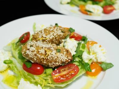 baked felafel, felafel and labneh salad, oven-baked, felafel, oven-baked felafel, labneh, labne, salad, kebab, recipe, healthy, quick