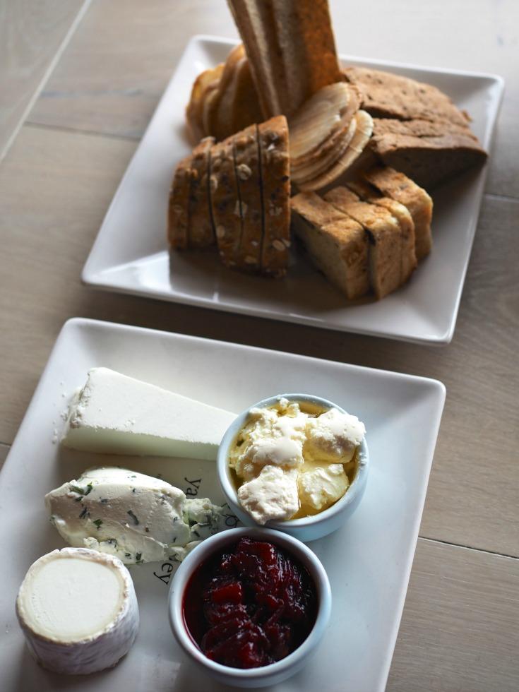 yarra valley dairy, yarra valley, dairy, cheese platter, bread, crackers