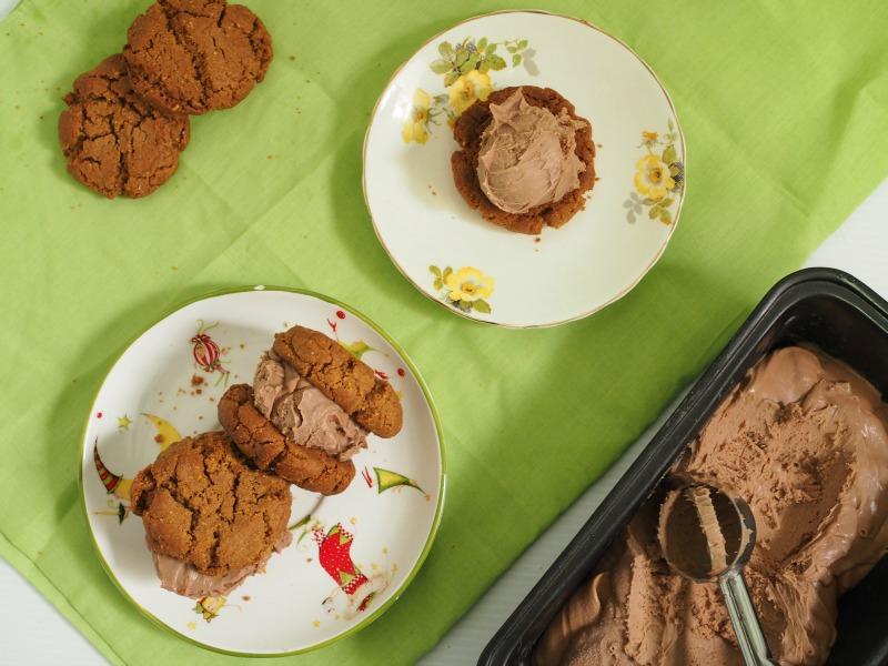 peanut butter and nutella ice cream sandwich, peanut butter, nutella, ice cream, ice cream sandwich, dessert, recipe, melbourne food blog, gluten free, slider, ice cream cookie, cookie