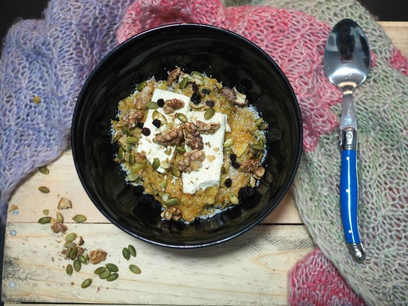 top shot, carrot cake porridge, porridge, healthy, breakfast, winter, cream cheese, carrot, apple, spice,
