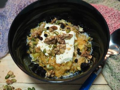 carrot cake porridge, porridge, healthy, breakfast, winter, cream cheese, carrot, apple, spice,