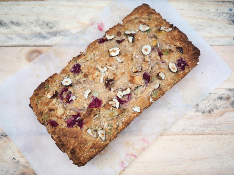buckwheat banana bread, buckwheat, Gluten free, banana bread, raspberries, almond meal, bread, seeds, nuts, peptise, walnuts, hazelnuts, easy breakfast idea, snack, healthy