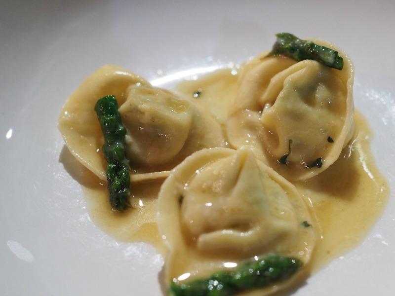 tips 00 restaurant, italian melbourne cbd, tipo 00, homemade pasta, melbourne, melbourne food blog, italian, melbourne cbd, asparagus, tortelloni, tortellini, parmesan sauce, sage,