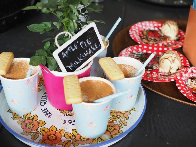 the hamlet, braddon, april's caravan, milkshakes, apple pie milkshake, eat drink blog, champagne and chips