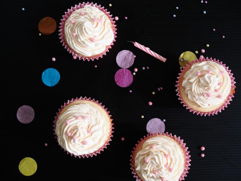 moscato cupcake, food styling, recipe