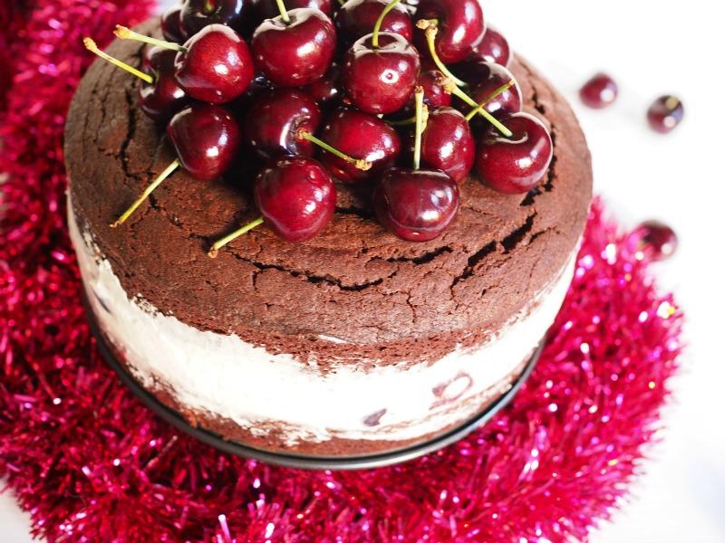 cherry cheesemas chocolate mud cake, chocolate mud cake, cherry, cheesecake, australian cherries, Christmas dessert, christmas recipes, christmas, recipe