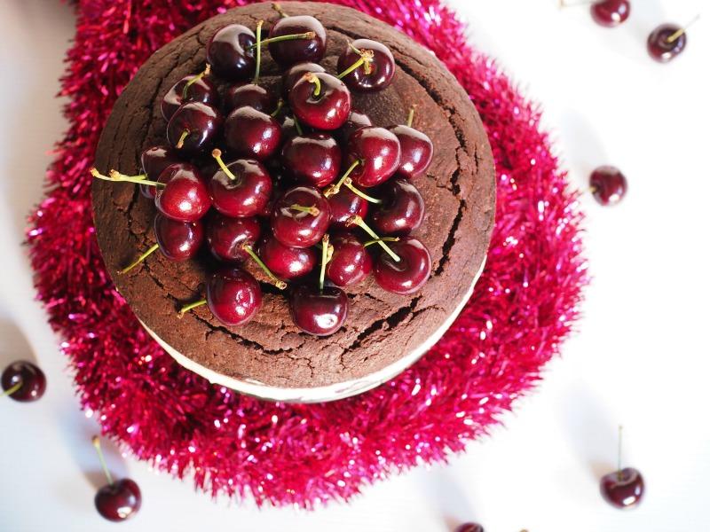 mud cake, cherry, cheesecake, recipe, champagne and chips, cherry cheeses chocolate mud cake, cheesemas