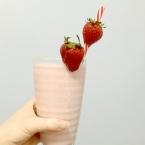 strawberry cheesecake thickshake, milk shake, thick shake, recipe, one word